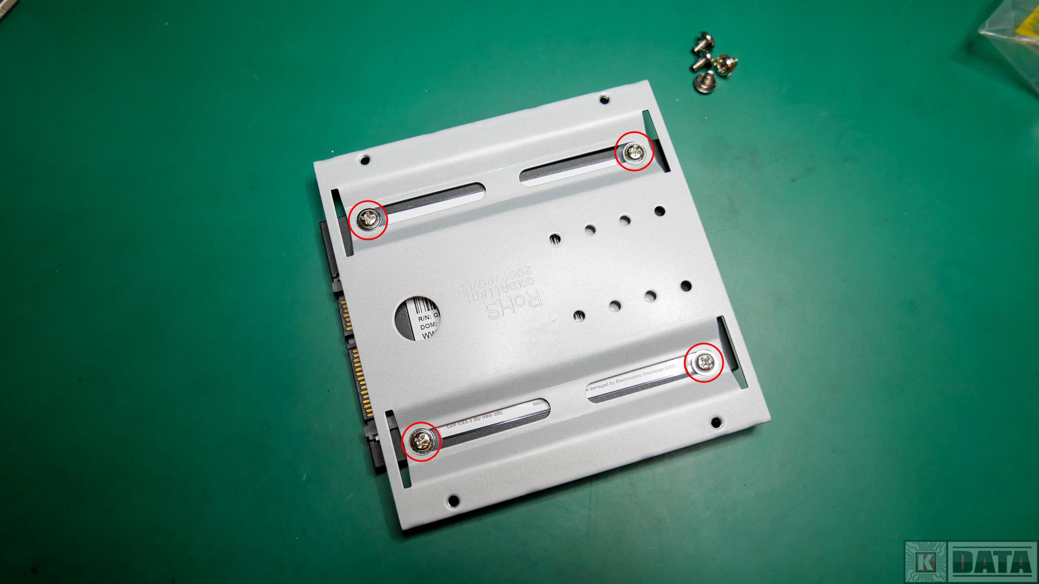 Dysk SSD WD Green zamontowany w adapterze